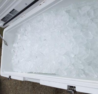 クーラーの中の氷