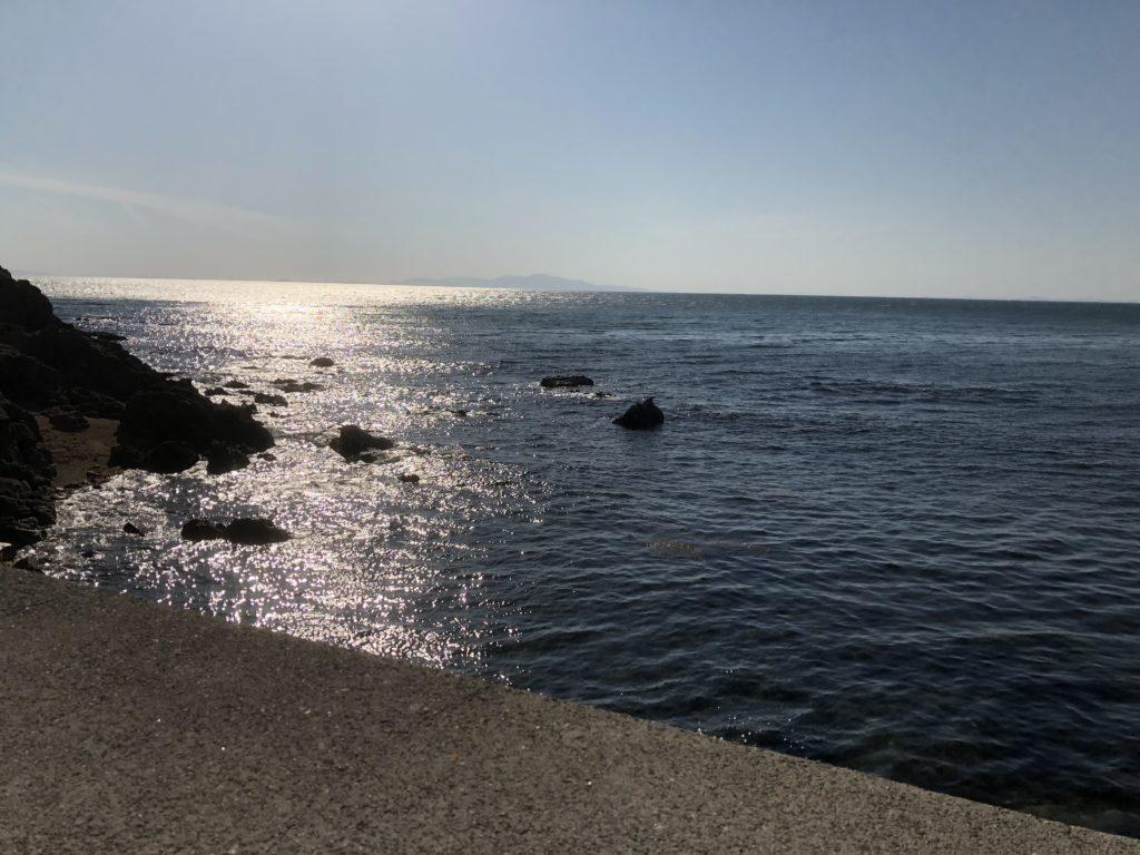 船瀬漁港外向きの磯