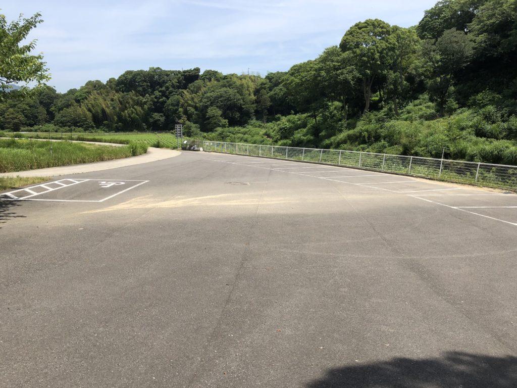 鮎屋の滝駐車場