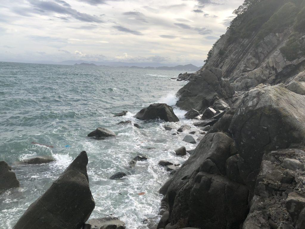 鳴門海峡側の磯