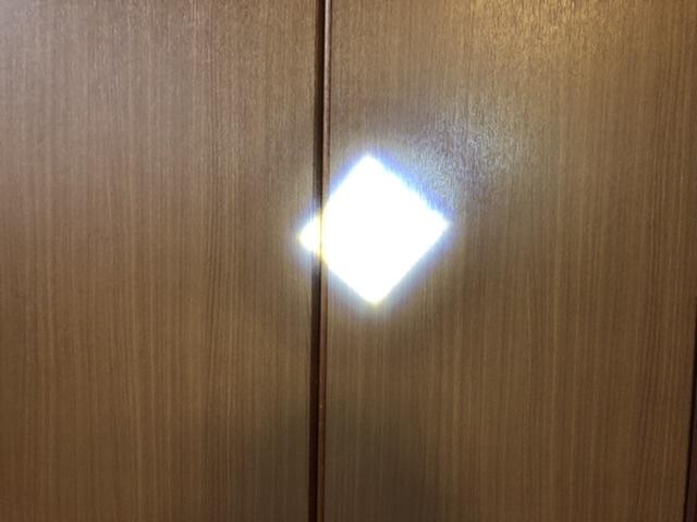 四角いライト